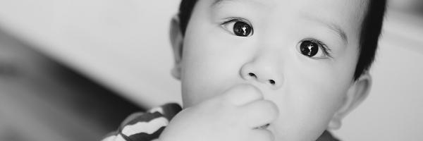 如何给宝贝儿拍出大眼睛的照片?