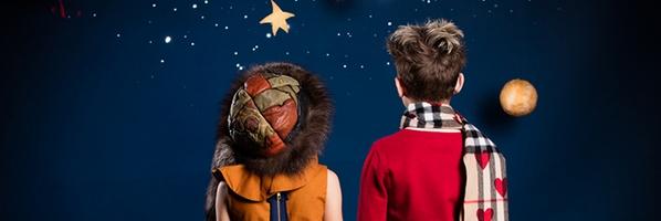 一组室内儿童时装摄影作品