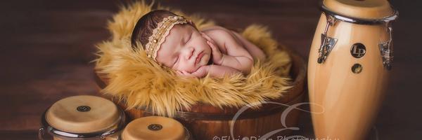 新生儿摄影师埃尔维·迪亚兹
