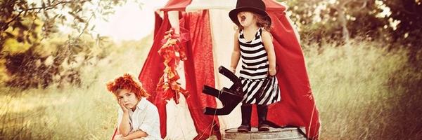 一组用帐篷拍的儿童摄影外景作品