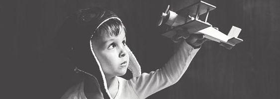 飞向蓝天——飞机道具在儿童摄影中的使用