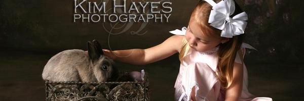 一组小朋友和小动物的照片