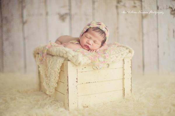 """新生儿摄影师版本的""""中国合伙人"""":Meet Moon Newborn Photography"""