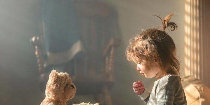 摄影师Adrian C. Murray六年时间记录孩子与小熊的温暖瞬间